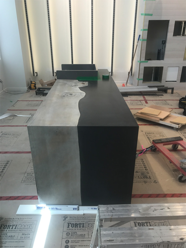 Two Tone Concrete Table Design - Diamond Finish