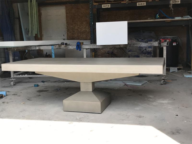 Elegant Concrete Coffee Table - Diamond Finish