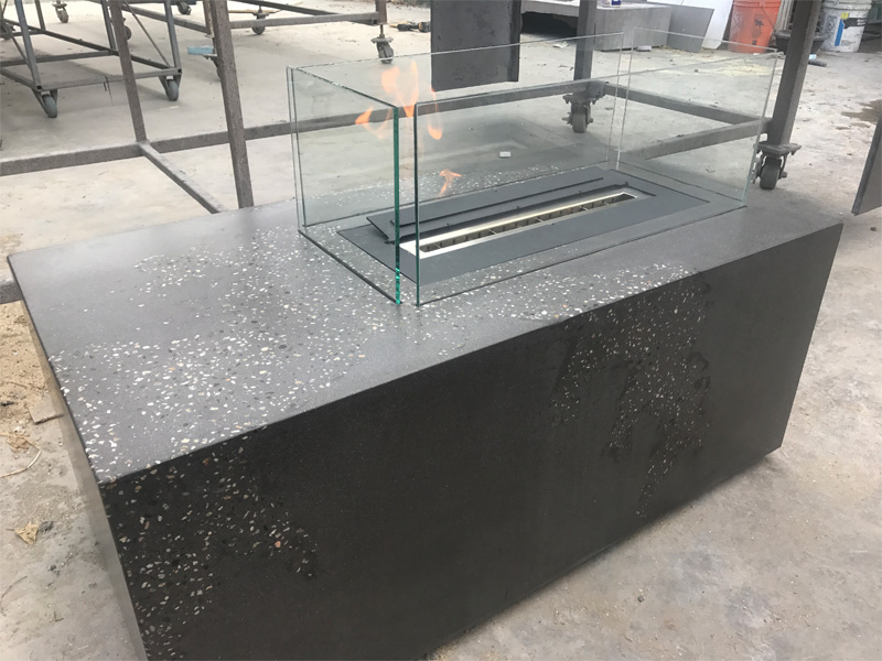 Concrete Fire Table with Glass Barriers - Diamond Finish
